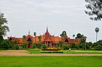 national-museum-of-the-cambodian-kingdom-in-phnom-penh-the-rich-collection-of-khmer-history