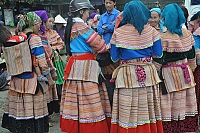 check-all-the-markets-and-the-calendar-of-ethnic-people-in-lao-cai-and-ha-giang-vietnam